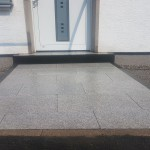 Weg_nachher_granitplatten_basalt_palisaden